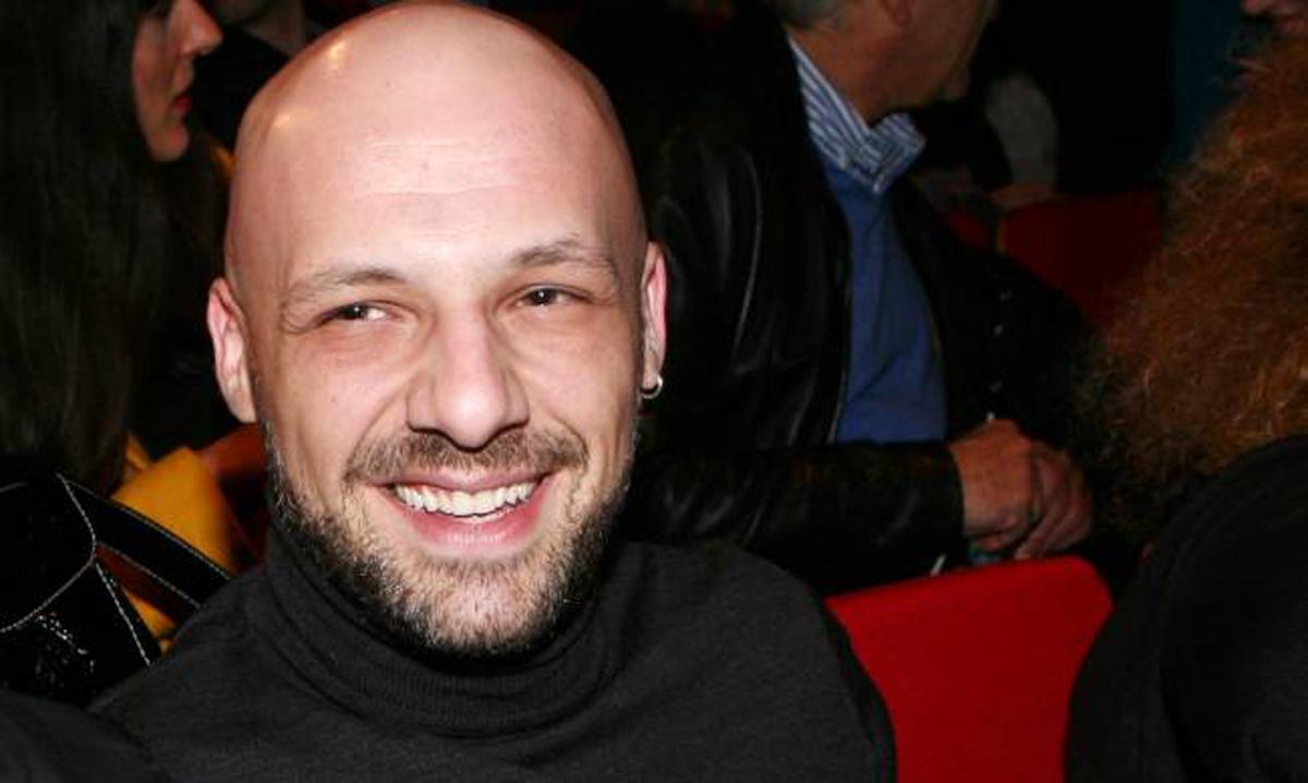Νίκος Μουτσινάς: Θέλω να υιοθετήσω παιδί [vid]