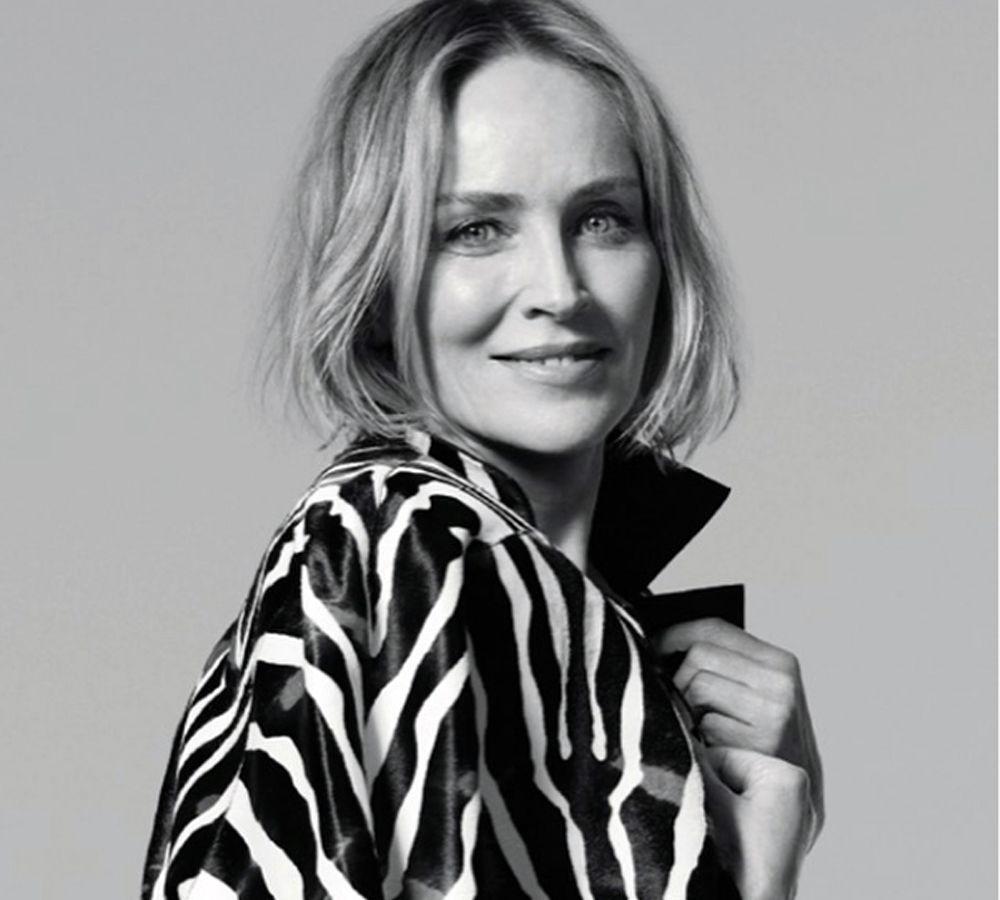 Σάρον Στόουν: Το καυτό σορτσάκι της  πανέμορφης 62χρονης ηθοποιού