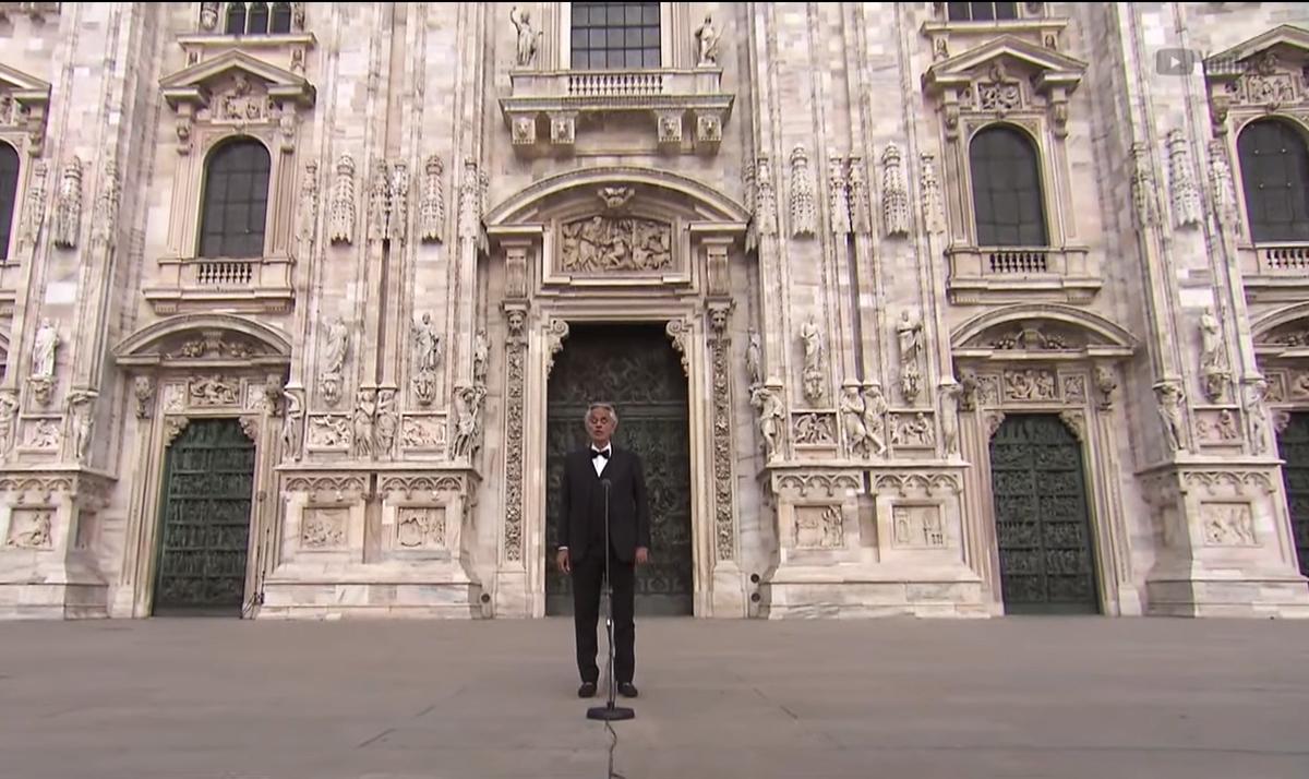 Andrea Bocelli: Η χθεσινή συναυλία του στο άδειο Duomo  [vid]