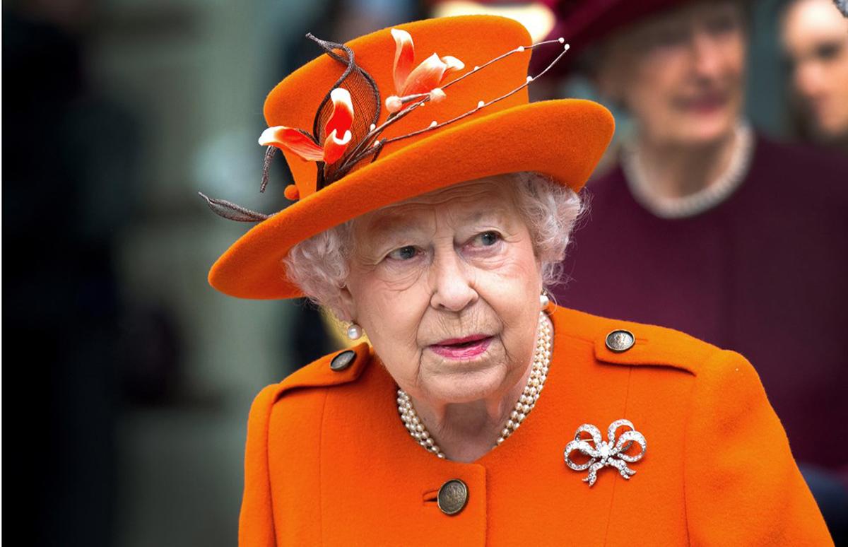 Βασίλισσα Ελισάβετ: Τα αγαπημένα της πασχαλινά μπισκότα έγιναν viral – Δείτε τη συνταγή
