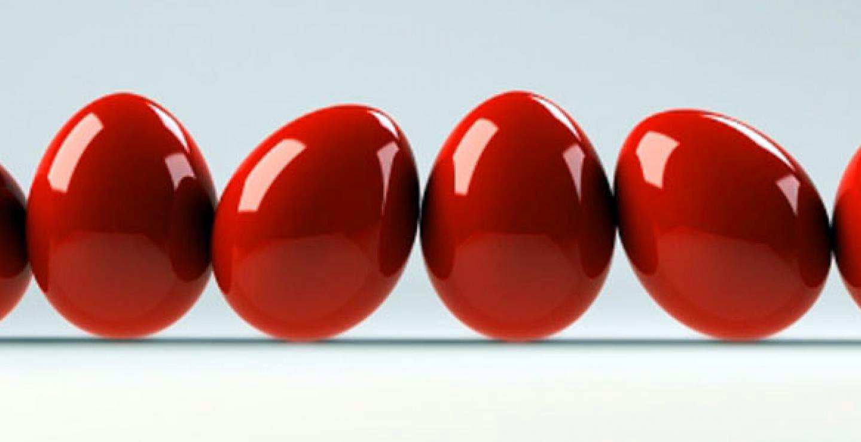 Βάψιμο αυγών: Πως να βάψετε τα τέλεια κόκκινα αυγά [vid]
