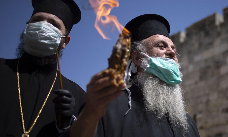 Άγιο Φως Ιερουσαλήμ: Η φετινή μοναχική τελετή αφής [pics]