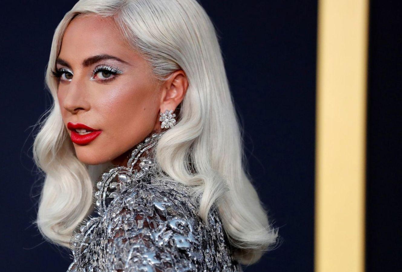 Lady Gaga: Οι στιλιστικές επιλογές της στην σκηνή αξίζουν μια θέση στην ιστορία της μόδας [pics]