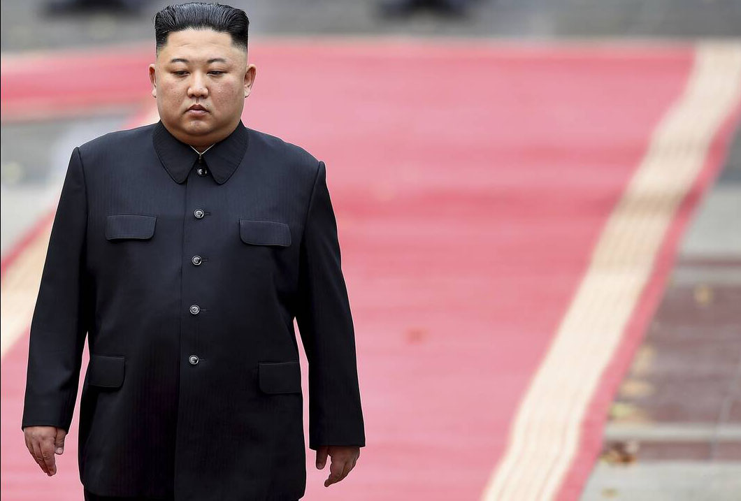 Κιμ Γιονγκ Ουν: Δίνει μάχη για τη ζωή του – Αληθεύουν οι φήμες για την υγεία του;