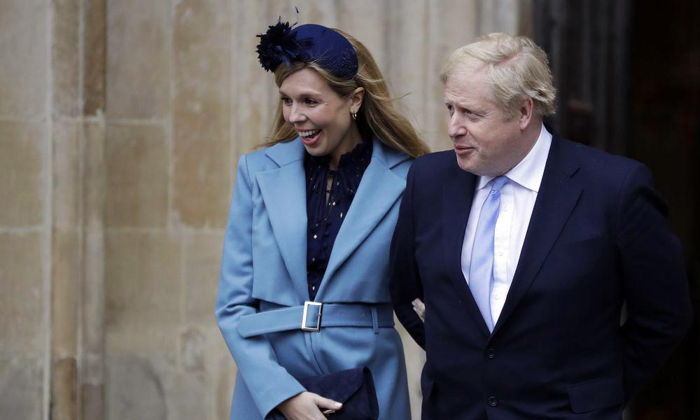 Μπόρις Τζόνσον μπαμπάς: Η σύντροφος του Βρετανού πρωθυπουργού έφερε στη ζωή ένα υγιέστατο αγοράκι [vid]