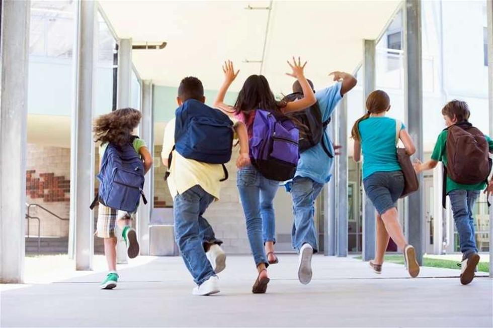 Άνοιγμα σχολείων: Το σχέδιο του υπουργείου Παιδείας – Τι θα γίνει με Δημοτικά και Νηπιαγωγεία