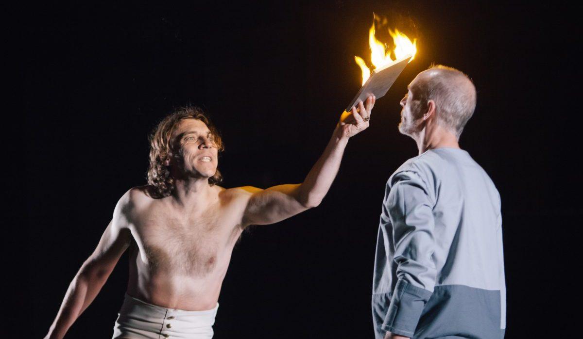 Καλιγούλας Καμύ: Δείτε διαδικτυακά την παράσταση με τον Γιάννη Στάνκογλου από το Δημοτικό Θέατρο Πειραιά