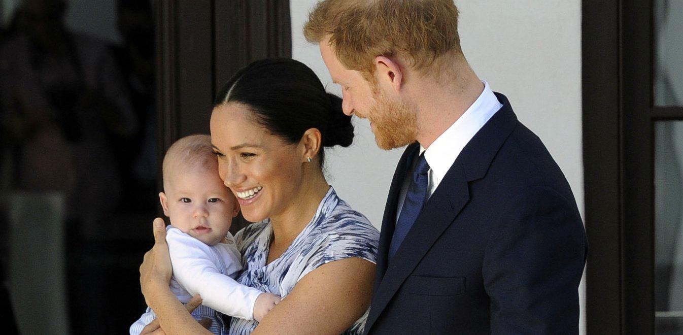 Μέγκαν Μαρκλ: Δείτε την να διαβάζει παραμύθι στον γιο της Archie στα πρώτα του γενέθλια, για καλό σκοπό [vid]