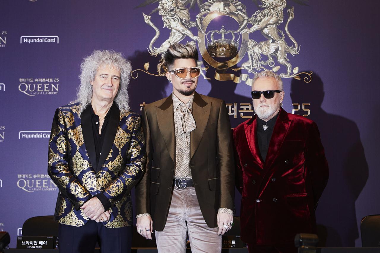 Queen We are the Champions: Προσάρμοσαν το θρυλικό τραγούδι λόγω κορονοϊού (vid)