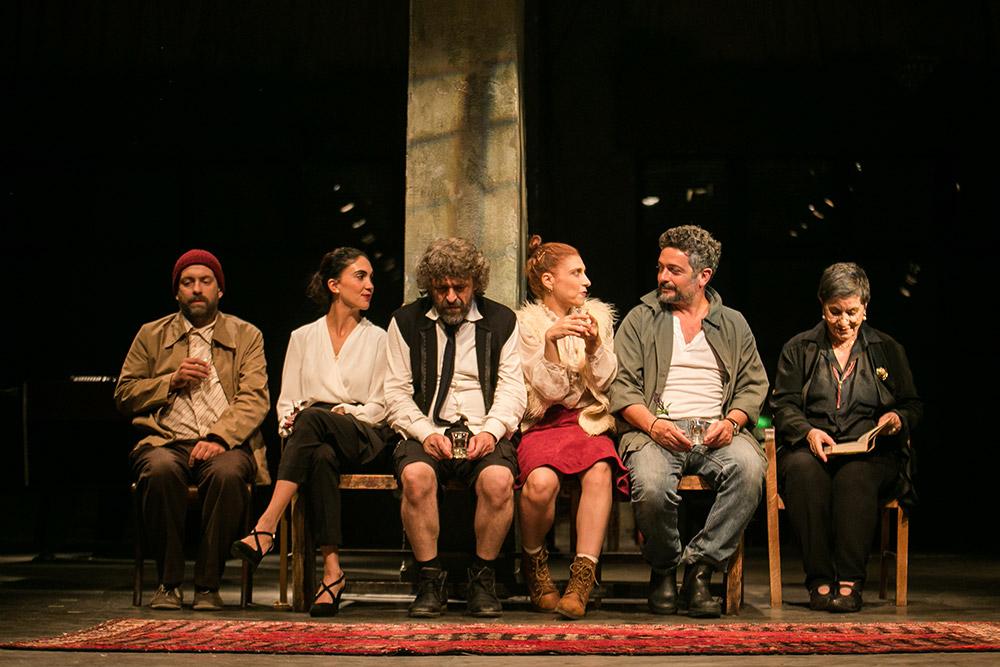 Εθνικό Θέατρο: Συνεχίζονται οι διαδικτυακές προβολές με τον «Θείο Βάνια»