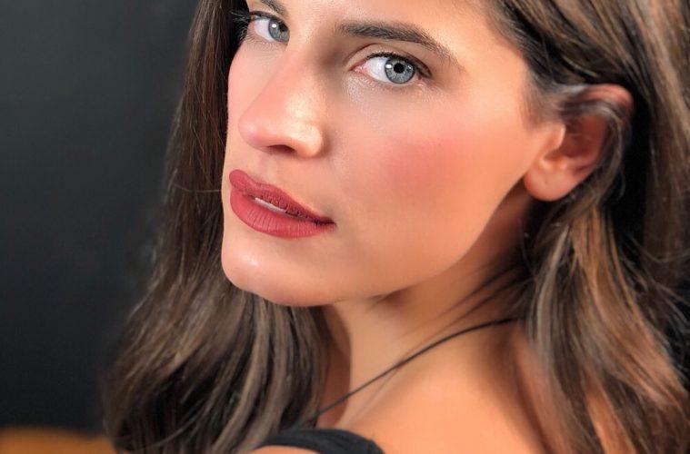 Victoria Secret: Δείτε το μοντέλο που μοιάζει σαν αδελφή της Χριστίνας Μπόμπα [pics]