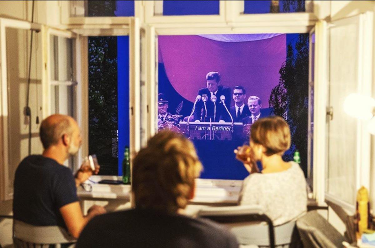 Windowflicks: Οι πολυκατοικίες έγιναν οθόνες σινεμά στο Βερολίνο [pics]