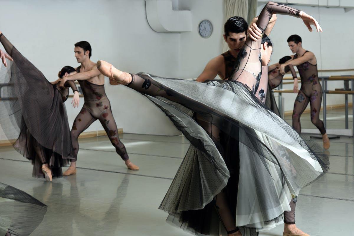 Dior: Οnline μαθήματα μπαλέτου από κορυφαίους χορευτές [vid]