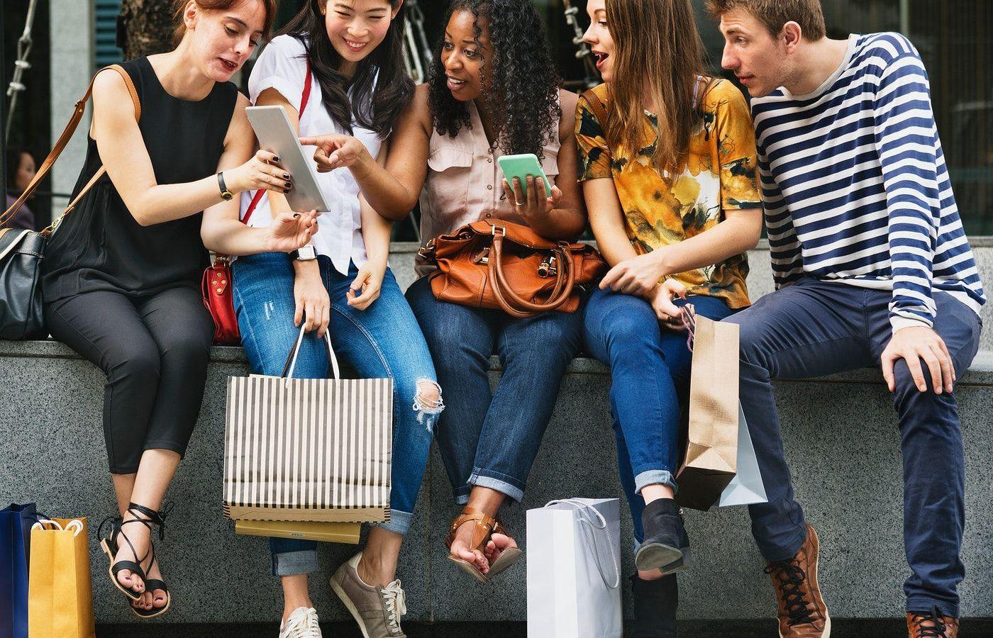 Squad Shopping: Σου λείπουν τα ψώνια με τις φίλες σου; Η εφαρμογή αυτή σου δίνει τη λύση