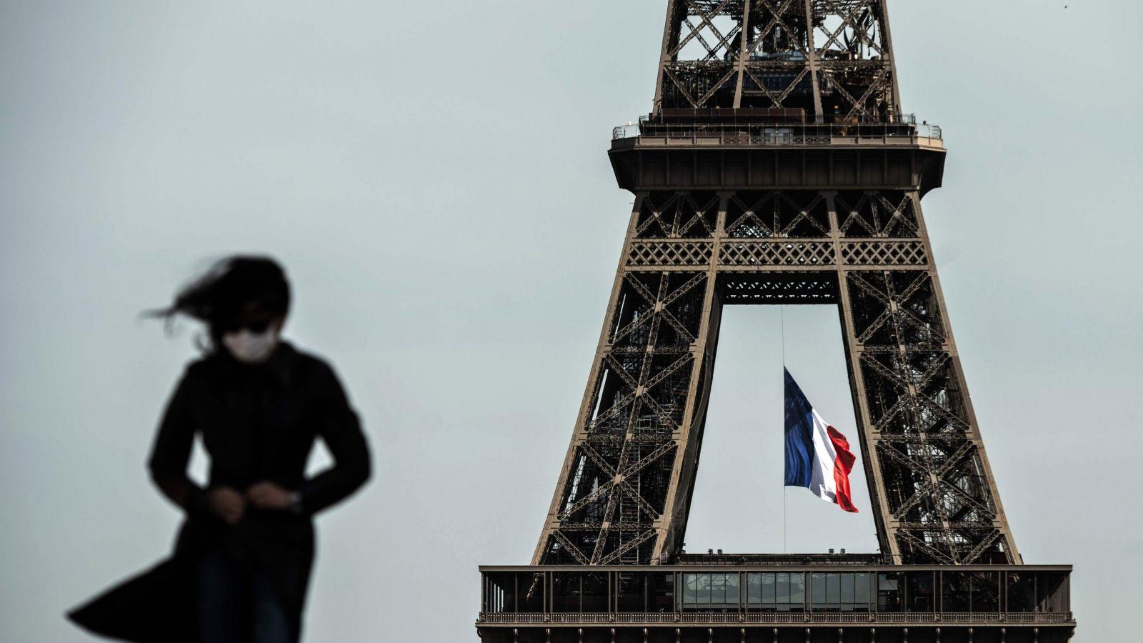 Πύργος του Άιφελ: Ανοίγει και πάλι το σήμα κατατεθέν του Παρισιού – Τα μέτρα λόγω κορονοϊού