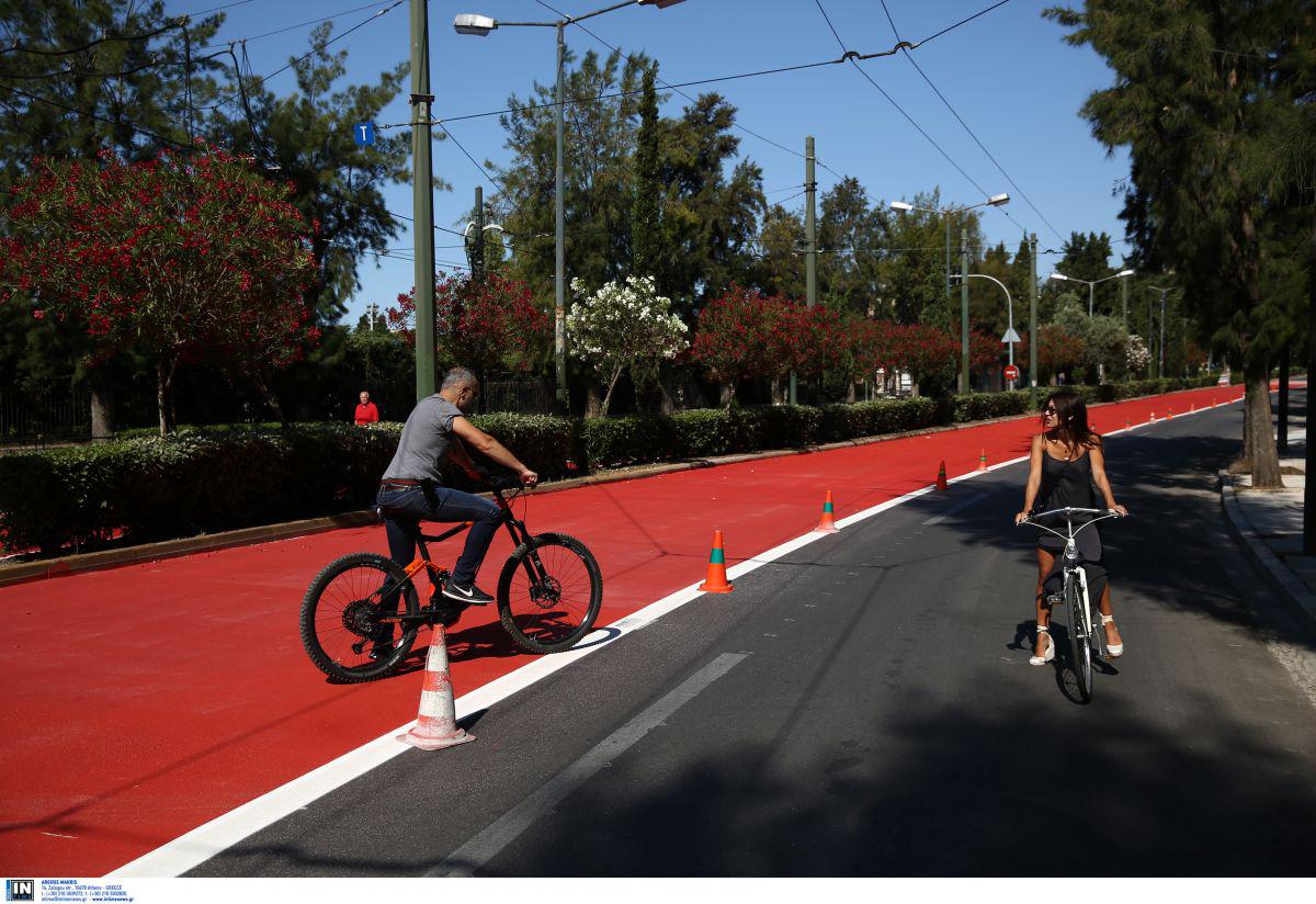O Μεγάλος Περίπατος της Αθήνας: Δρομείς και ποδήλατα κατέκλυσαν το κέντρο [pics]