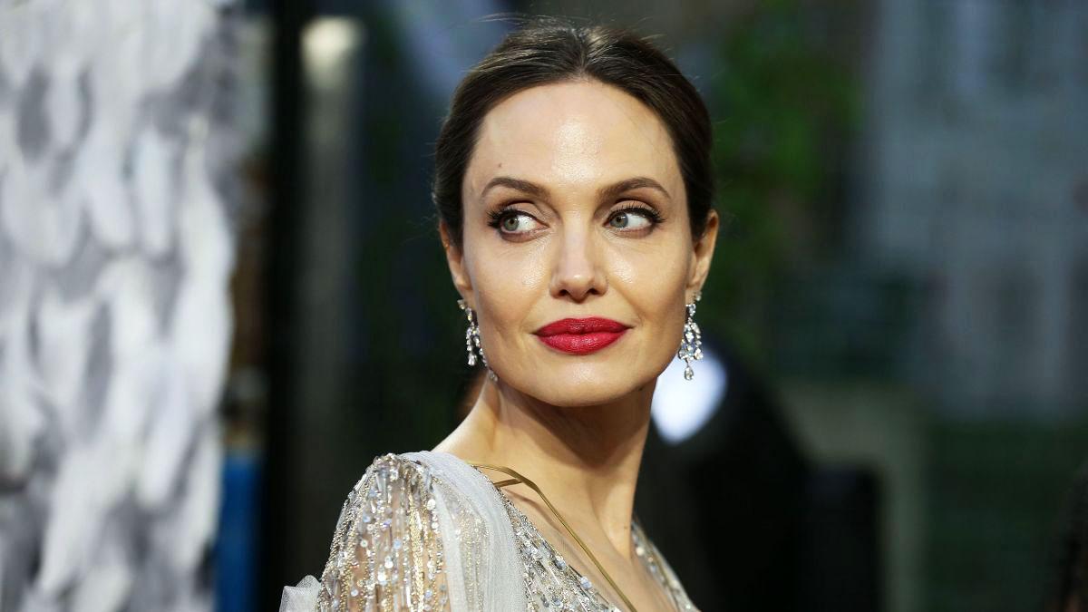 Η Angelina Jolie μιλάει για τον χωρισμό με τον Brad Pitt