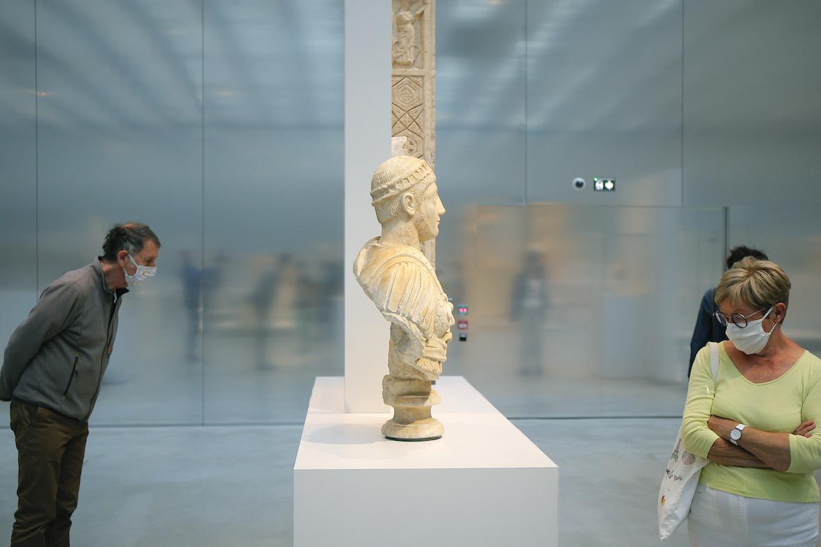 Μουσείο του Λούβρου: Ανοίγει στις 6 Ιουλίου με συγκεκριμένα τμήματα και διαδρομές