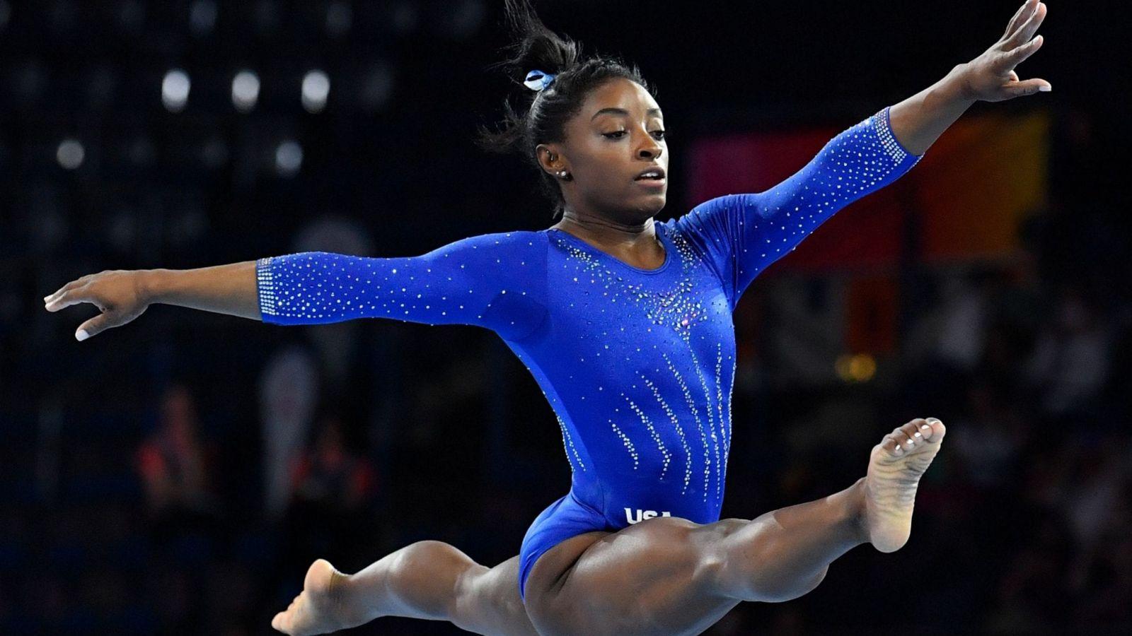 Η 23χρονη αθλήτρια – φαινόμενο Simone Biles μηνύει την Ολυμπιακή Επιτροπή για σεξουαλική κακοποίηση