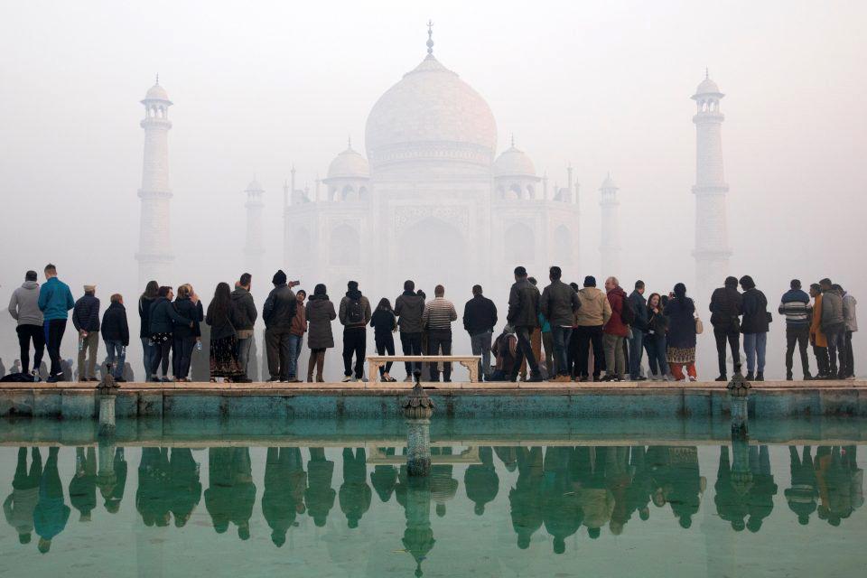 Ταζ Μαχάλ: Άνοιξε ξανά τις πύλες του για το κοινό το στολίδι της Ινδίας
