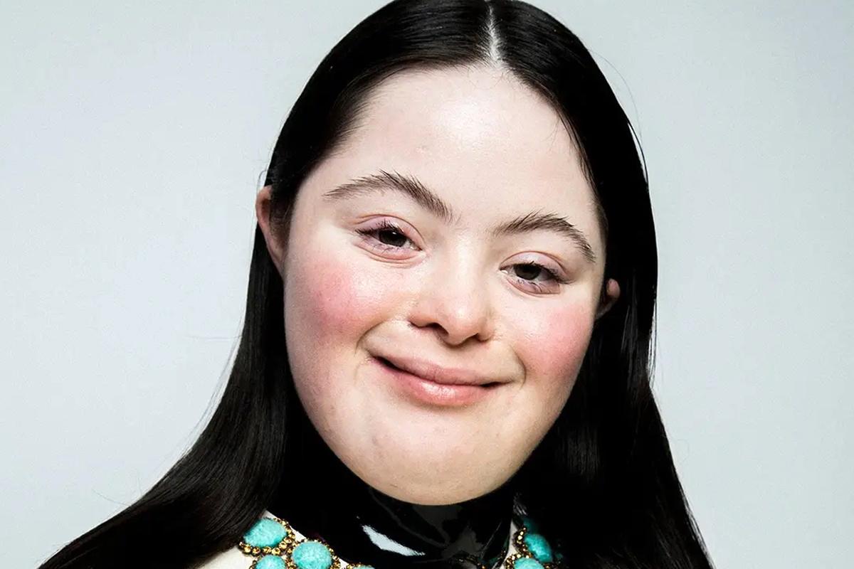 H Ellie Golstein είναι το νέο πρόσωπο της Gucci Beauty που σπάει τα στερεότυπα