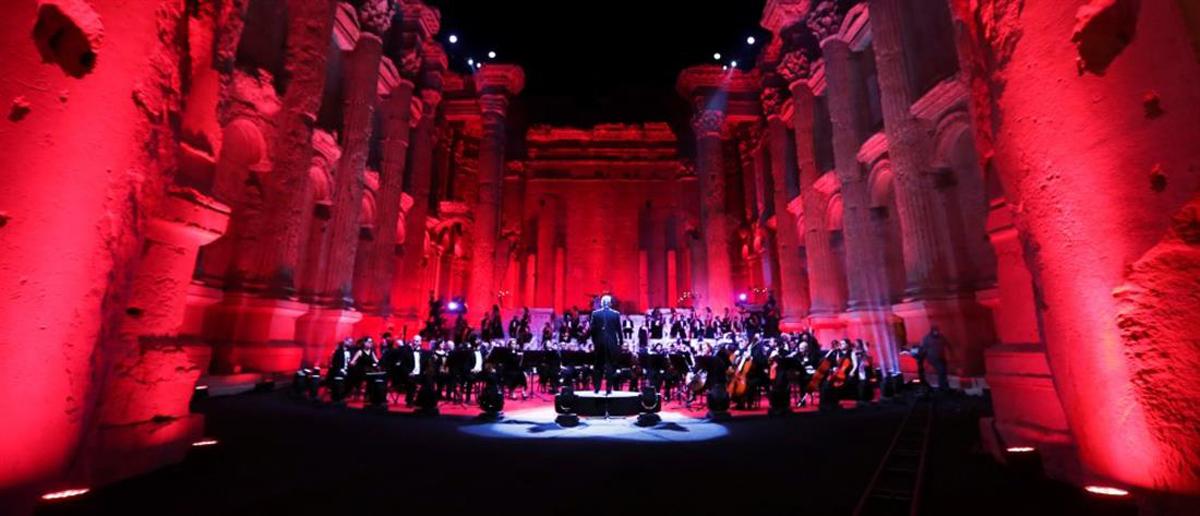 Λίβανος: Η πιο ρομαντική συναυλία χωρίς κοινό στα ρωμαϊκά ερείπια του Μπααλμπέκ [vid]