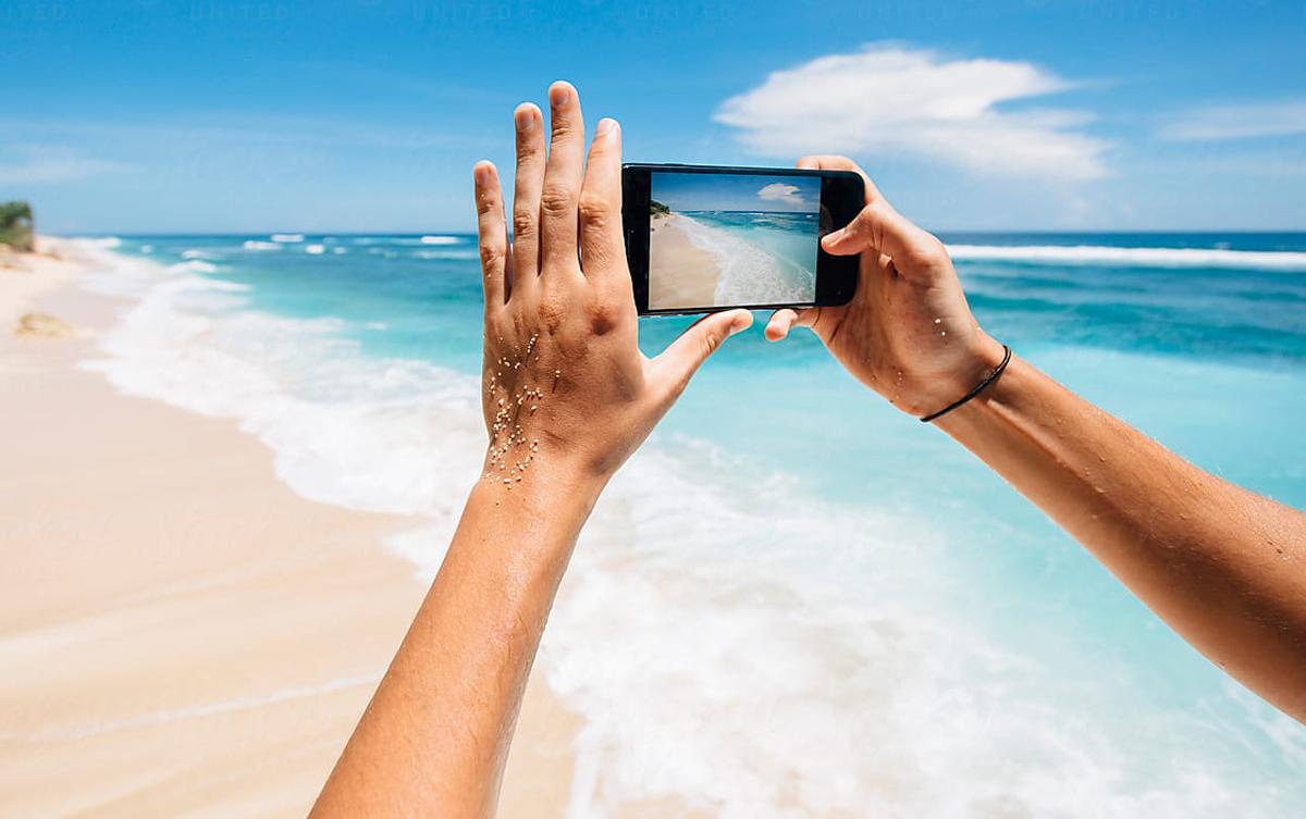 Πως να προστατεύσεις το κινητό σου στην παραλία