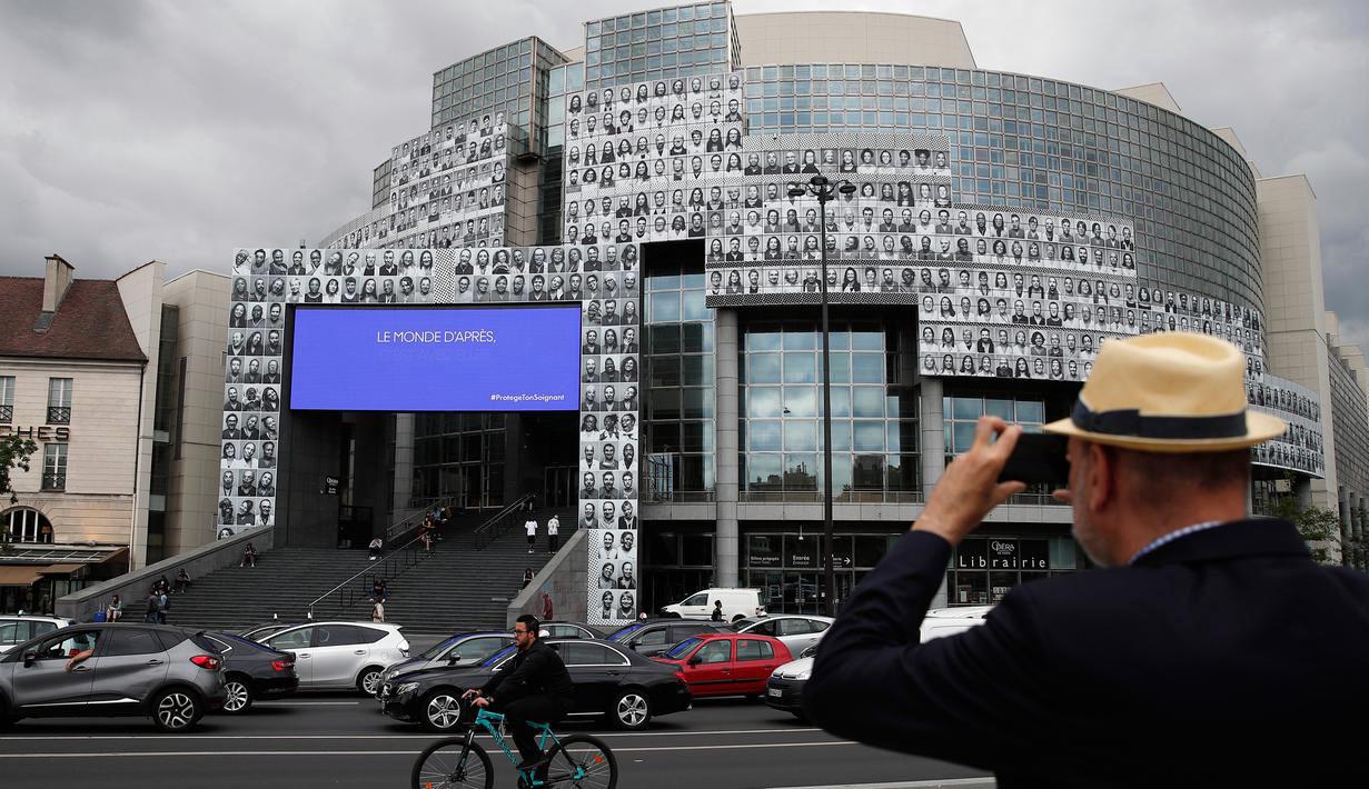 Όπερα της Βαστίλης: 500 πορτρέτα εργαζομένων στην υγεία σε ένα τεράστιο κολαζ – φόρο τιμής