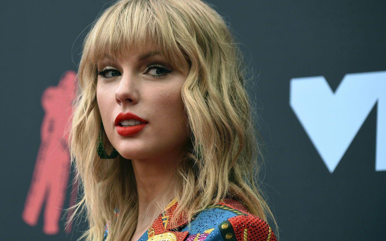 Taylor Swift: Μόλις κυκλοφόρησε το νέο της άλμπουμ και υπάρχουν πολλές θεωρίες συνωμοσίας για το τραγούδι Betty [vid]