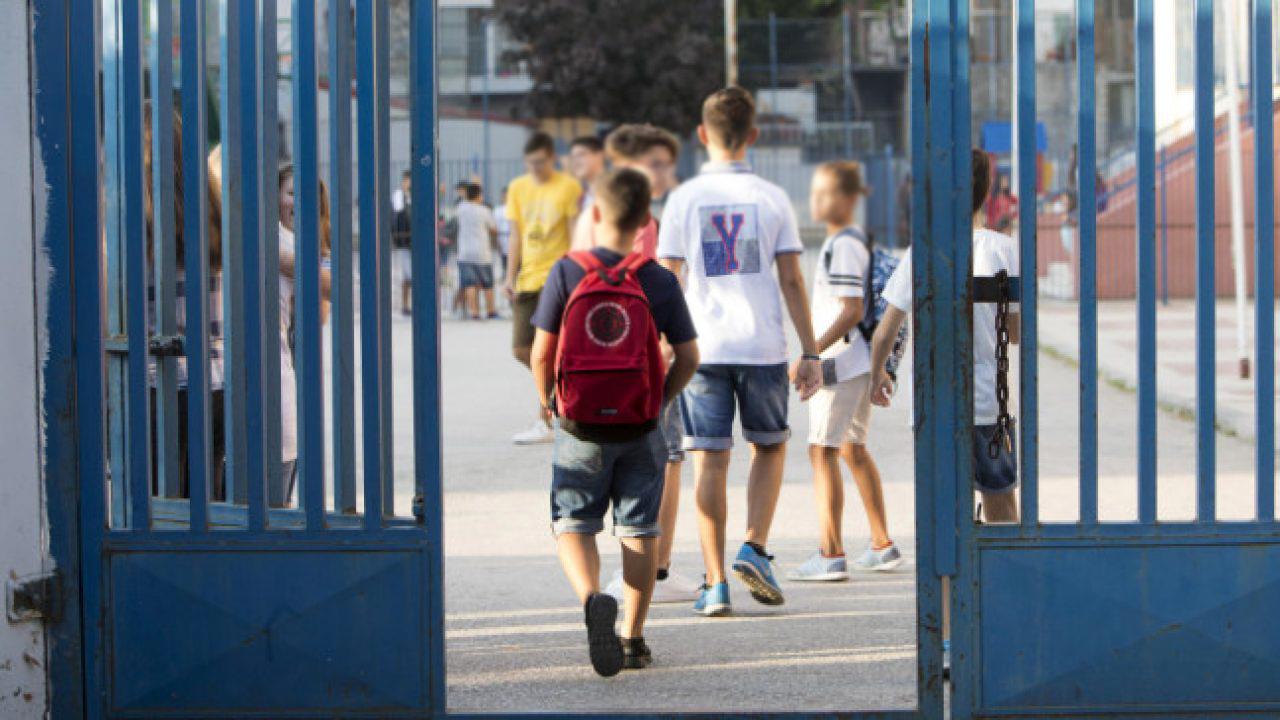 Άνοιγμα σχολείων: Έναρξη στις 7 Σεπτεμβρίου με υποχρεωτική χρήση μάσκας – Όλα τα μέτρα [vid]