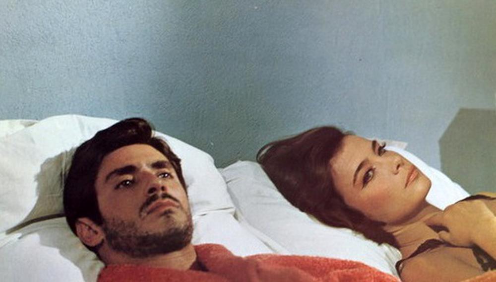«Μια Σφαίρα στην Καρδιά»: Η γαλλική ταινία της Τζένη Καρέζη που θεωρούνταν χαμένη, έρχεται το Σεπτέμβριο στις αίθουσες [vid]