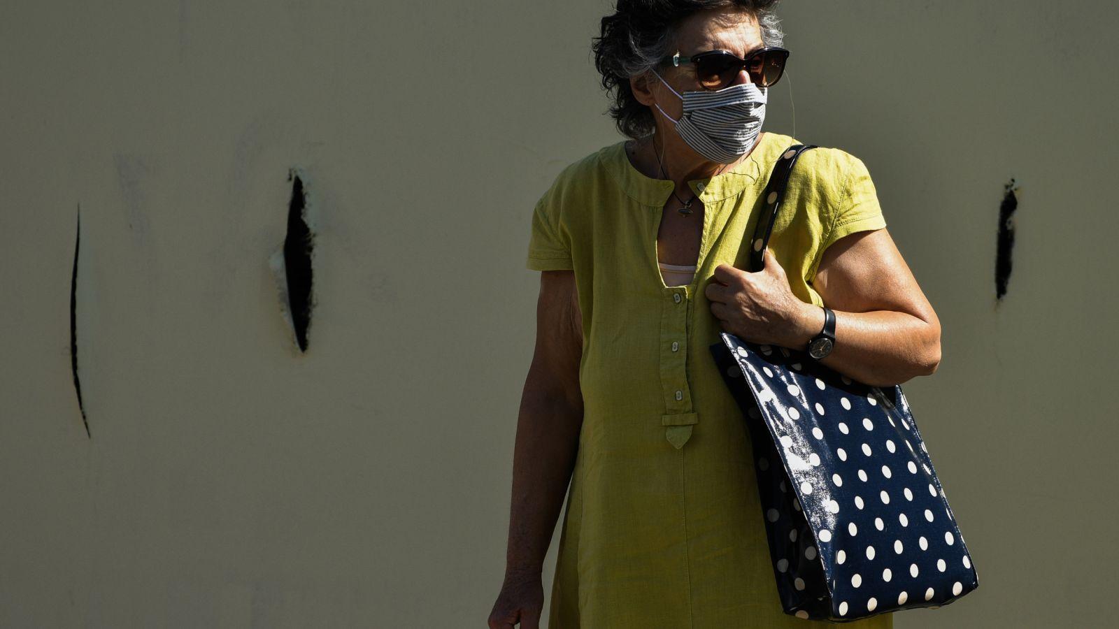 Κορονοϊός: Σε ποιους χώρους είναι υποχρεωτική η μάσκα από σήμερα – Προσοχή στα πρόστιμα
