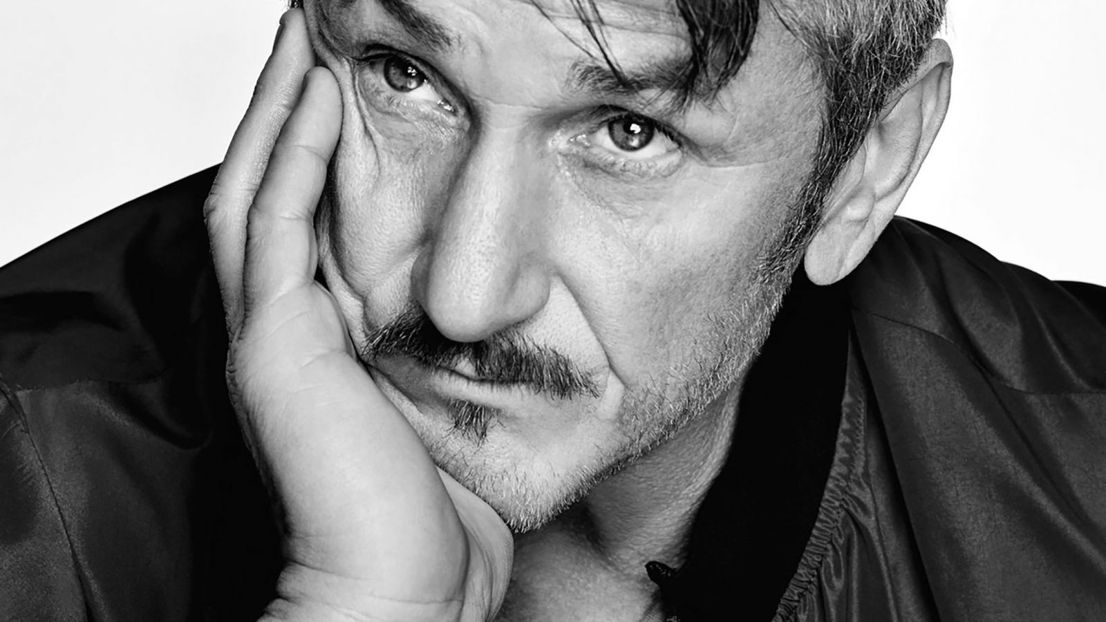 Sean Penn: Μυστικός γάμος για τον ηθοποιό – Ποια είναι η 28χρονη σύντροφός του [pics]
