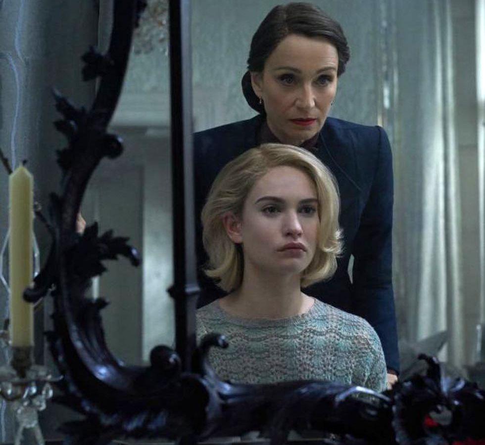 Rebecca: Κυκλοφόρησε το τρέιλερ του ριμέικ της θρυλικής ταινίας του Χίτσκοκ [vid]