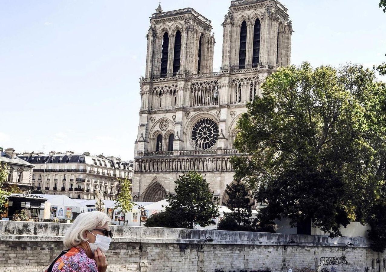 Παναγία των Παρισίων: Μια έκθεση δίνει ξανά πνοή στην εκκλησία μετά την καταστροφική φωτιά