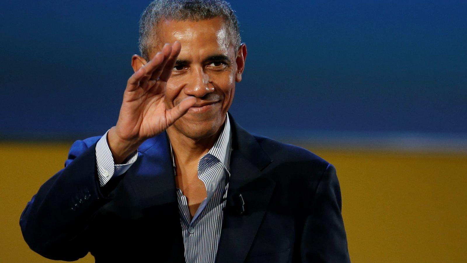 Barack Obama: Δίνει το κινητό του στο Twitter και προτρέπει τους Αμερικανούς να ψηφίσουν