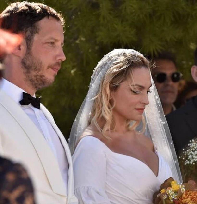 Ελεονώρα Ζουγανέλη – Σπύρος Δημητρίου: Ο παραμυθένιος γάμος στις Σπέτσες [pics]