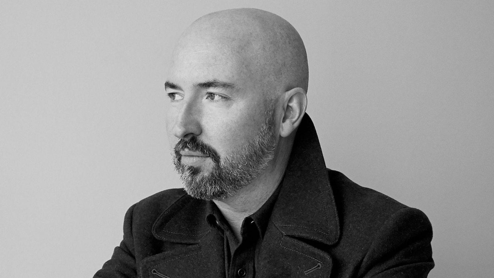Βραβείο Booker 2020: O σχεδιαστής μόδας Douglas Stuart είναι ο φετινός νικητής