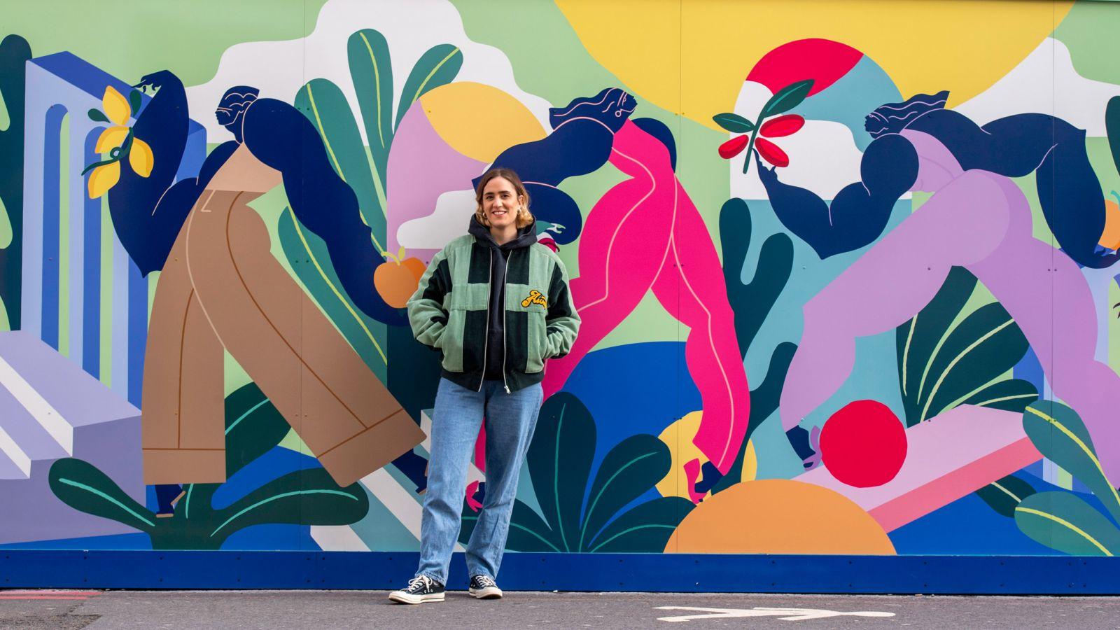 Paddington Square: Η καλλιτέχνης Kelly Anna «ντύνει» με τοιχογραφία της ένα από τα πιο κεντρικά σημεία του Λονδίνου