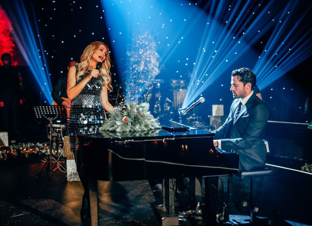 Νατάσα Θεοδωρίδου: Κάνουμε ρεβεγιόν Χριστουγέννων μαζί [vid]