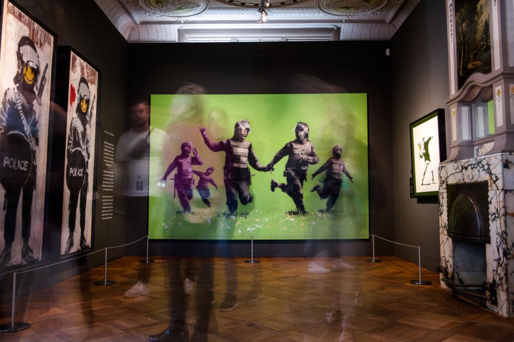 Banksy: Πίνακάς του έσωσε θέσεις εργασίας στο μουσείο Moco στο Amsterdam