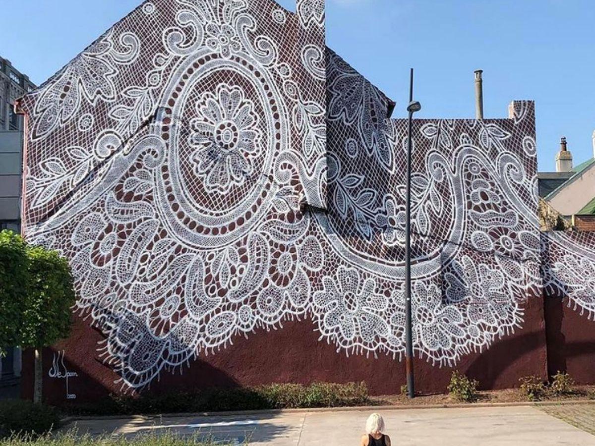 Μουσείο Δαντέλας: Η κεντημένη πρόσοψη του μουσείου στο Callais έχει άλλη χάρη