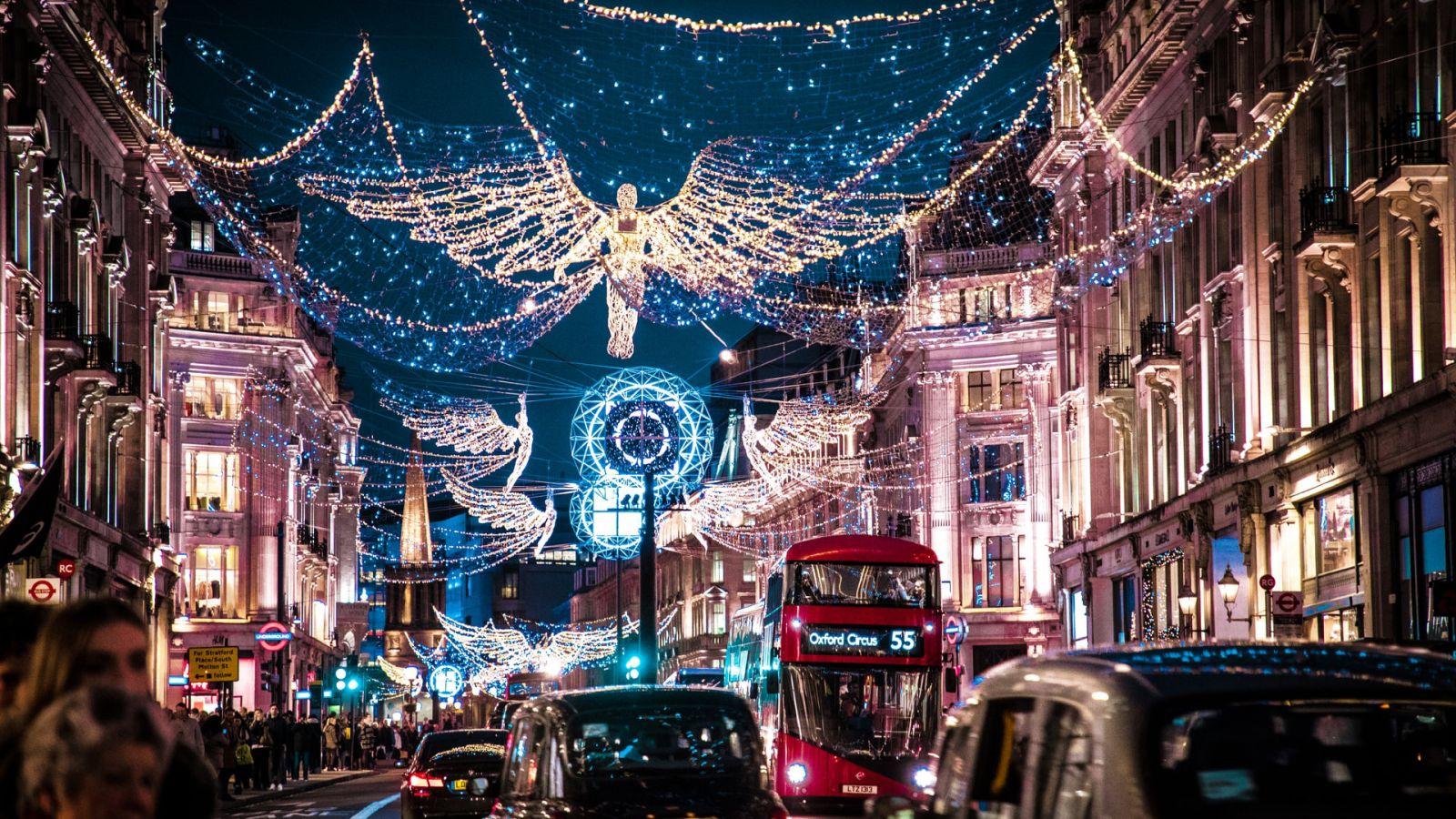Λονδίνο: Ο πανέμορφος στολισμός της πόλης θα σας φτιάξει τη διάθεση [vid]