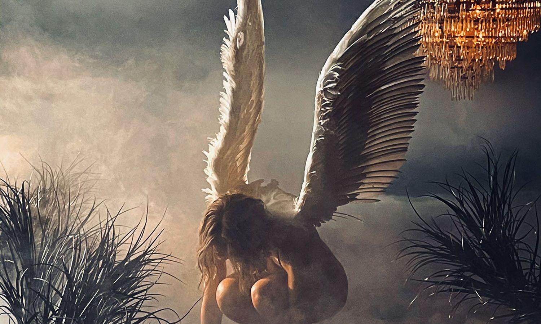 Jennifer Lopez: Είναι ένας άγγελος… γυμνός στο νέο της βιντεοκλίπ [vid]