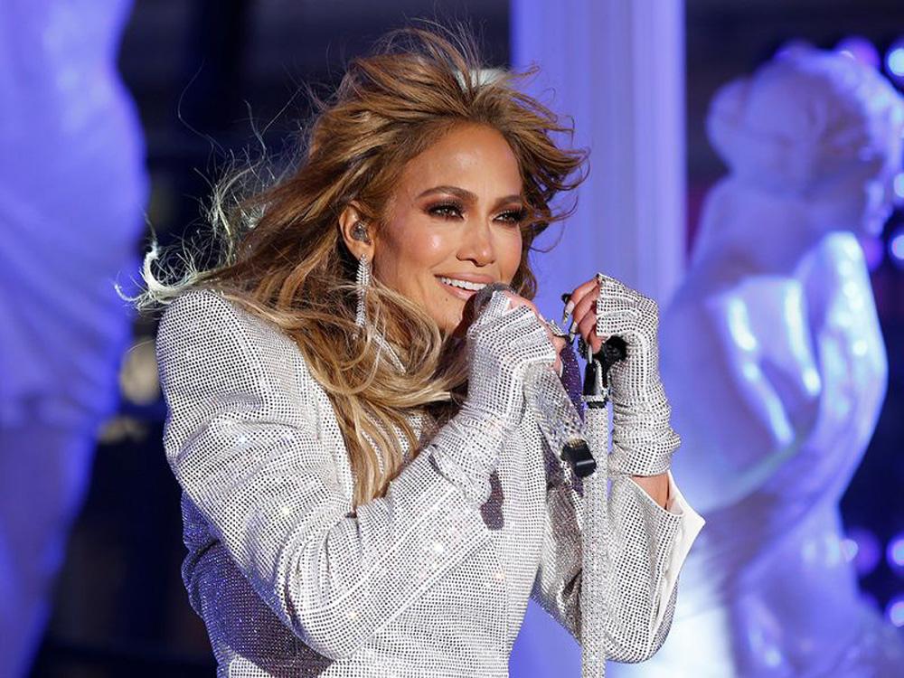 Jennifer Lopez: Το υπερθέαμα για την αλλαγή του χρόνου [vids]