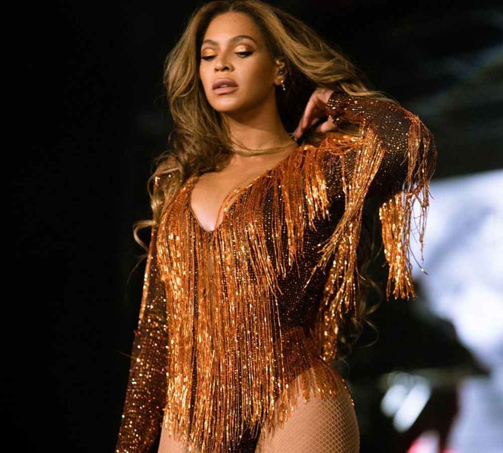 Beyonce: Είναι μια… κούκλα με τη δημιουργία του Βρεττού Βρεττάκου – «When the legends are Dolls» [pics]