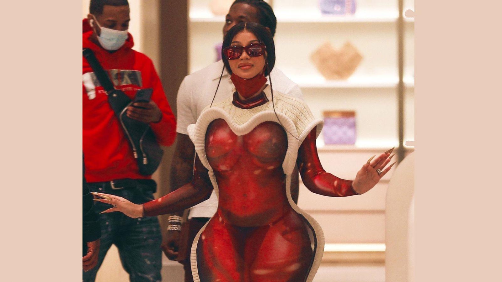 Cardi B: Αν δεν έχεις δει το ημιδιάφανο φόρεμα που έβαλε για ψώνια δεν έχεις δει τίποτα [pics]