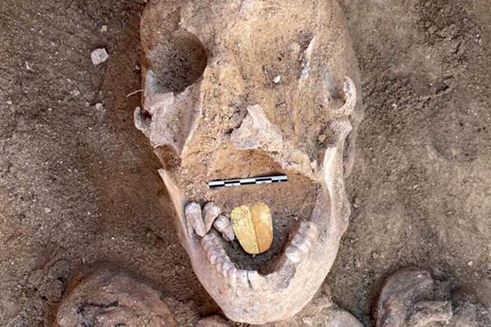 Αλεξάνδρεια: Βρέθηκε μούμια με χρυσή γλώσσα – Ένα σπάνιο αρχαιολογικό εύρημα [vid]