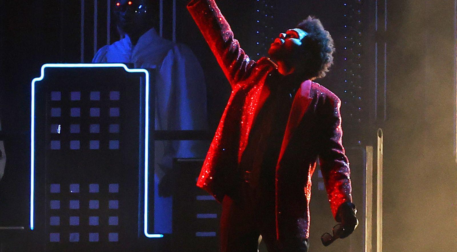 Super Bowl 2021: Το εντυπωσιακό show του The Weeknd στο πιο διάσημο ημίχρονο αγώνων [vid]