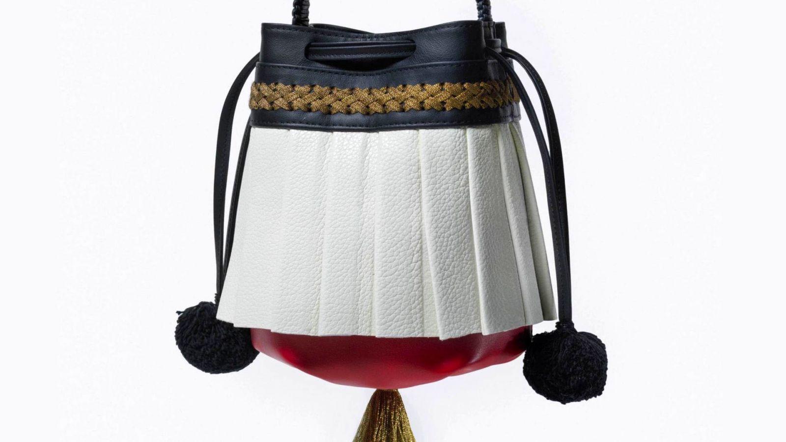 Callista Crafts: Mια κομψή τσάντα που θυμίζει επανάσταση – Επετειακή για τα 200 χρόνια από το 1821